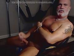 Superbe hot musclBear wank beamy tit's