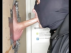 DIQSUQR - Swallowing a catch moaning, hung policeman!