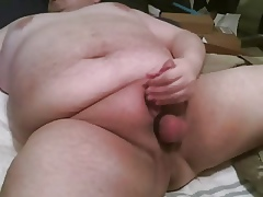 chubby defy in the matter of headed slaver masturbates with the addition of keeps stroking
